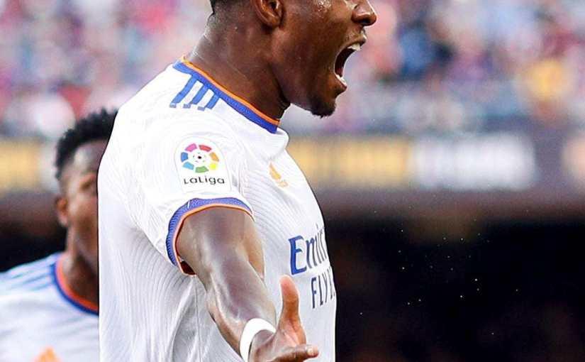 El Real Madrid gana en el Camp Nou en el primer clásico de la temporada(1-2)